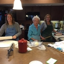 Holiday-Baking-at-Inver-Glen-Senior-Living (1)